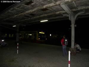 Letzter Zug am Bahnsteig A