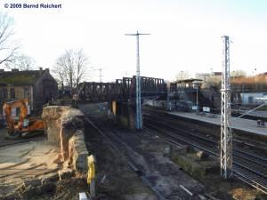 Den Bahndamm am Ostende der Südringkurvenbrücken gibt es nicht mehr