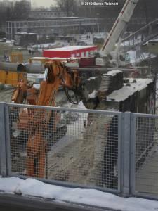 Abbruch eines Stützpfeilers des alten Ringbahnsteiges