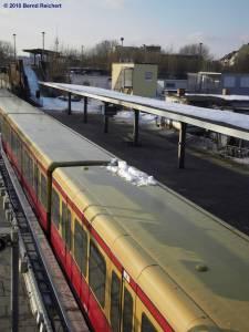 Blick auf den Bahnsteig D