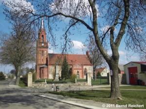 Schönfeld (Uckermark), Dorfkirche, aufgenommen am 16.04.2011