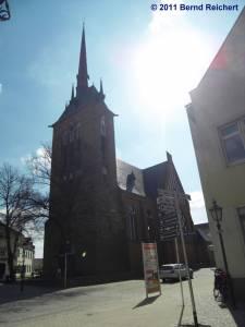 Katholische Kirche St. Mariä Himmelfahrt Schwedt (Oder), aufgenommen am 18.04.2011