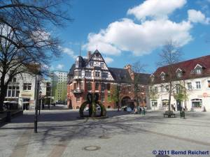 Eckhaus Stadtpark/Bahnhofstraße, Schwedt (Oder), aufgenommen am 18.04.2011
