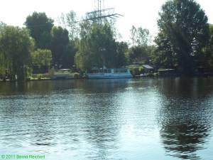 Fährschiff der Stern- und Kreisschifffahrt am Wilhelmstrand