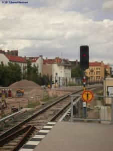 Blick vom nördlichen Ende des neuen Regionalbahn-Ring-Bahnsteiges in Richtung Frankfurter Allee