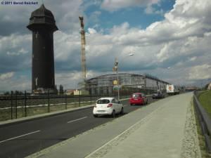 Bau der S-Bahn-Ringbahnsteighalle von der neuen Kynaststraße aus gesehen