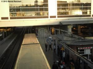 20120322-05 - Zug in Richtung Lichtenberg
