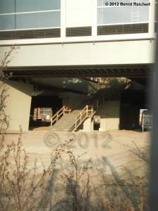 20120328-03 - In Bau befindlicher endgültiger Treppenabgang vom neuen Ringbahnsteig zur Hauptstraße