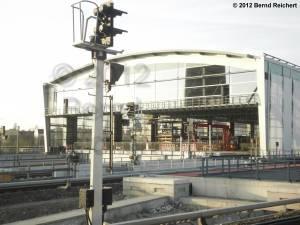 20120328-13 - Blick in das Südportal der neuen Ringbahnsteighalle