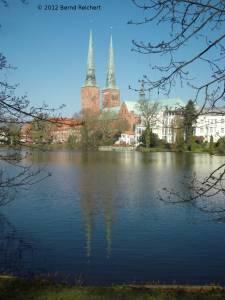 20120406-03 - Lübeck, Blick über den Mühlenteich zum Dom