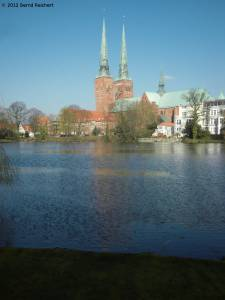 20120406-04 - Lübeck, Blick über den Mühlenteich zum Dom