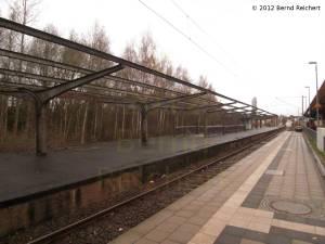 20120407-35 - Travemünde, Bahnhof Travemünde, Hafen. Was die Bahn nicht mehr braucht, lässt sie verfallen und verschandelt die Stadt.