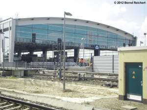 20120412-18 - Blick in das Nordportal der neuen Ringbahnsteighalle