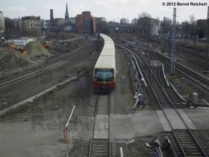 20120412-20 - Zug aus Lichtenberg fährt ein