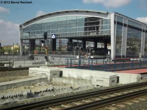 20120412-22 - Blick in das südliche Portal des neuen S-Bahn-Ringbahsteiges
