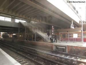 20120412-29 - Übergang vom Bahnsteig E zur neuen Ringbahnsteighalle