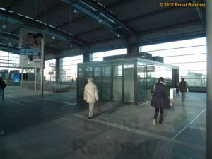 20120416-06 - Ostkreuz - Halle des Ringbahnsteiges