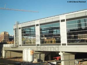 20120416-13 - Ostkreuz - Halle des Ringbahsteigs von der provisorischen Fußgängerbrücke aus gesehen
