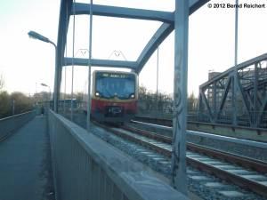 20120416-17 - Treptower Park - Ausfahrt des Ringzuges Richtung Ostkreuz