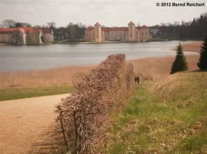 20120421-20 - Rheinsberg, Blick vom Obelisken aus zum Schloss