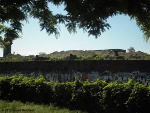 20120526-17 - Ostkreuz, Kärgliche Reste des ehemaligen Bahsteigs A