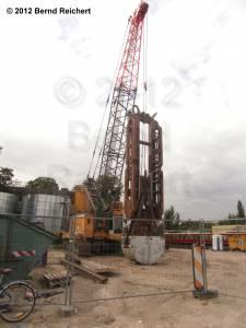 20120731-01 - Außergewöhnlicher Bagger an der Ostkreuz-Baustelle