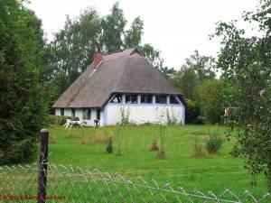20120805-06 - Reedgedecktes Haus in Haide (Ummanz)