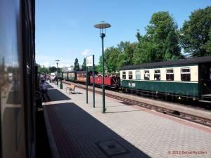 20120811-36 - Ostseebad Binz, Zugkreuzung am  Bahnhof Binz-Ost