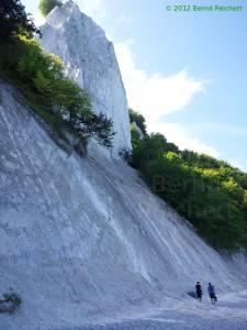20120814-11 - Stubbenkammer: Blick auf den Königsstuhl vom Strand aus