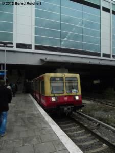 20121103-06 - Zug aus Erkner trifft am Ostkreuz ein