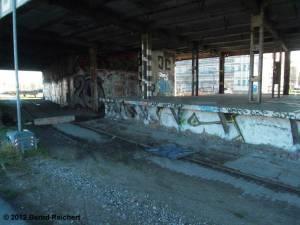 20121228-03 - Ehemalige Verladerampe des Glaswerks Stralau.
