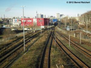 20121228-23 - Blick von der Warschauer Straße auf das Ausziehgleis des Nachzugbetriebswerkes