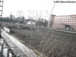 20130209-08 - Blick vom Parkweg zum S-Bahnhof Treptower Park.