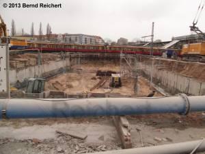 20130216-10 - Vorbereitende Baugrube für evtl. später mal zu bauende Verlängerung der Stadtringautobahn.