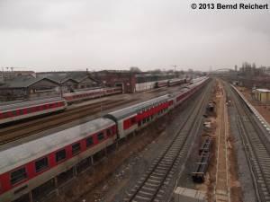 20130216-20 - Blick von der Fußgängerbrücke auf das Depot der DB Nachtzug (früher: RAW Franz Stenzer).