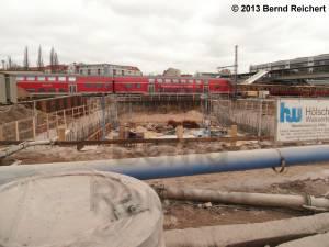 20130303-01 - Vorbereitende Baugrube für evtl. später mal zu bauende Verlängerung der Stadtringautobahn.