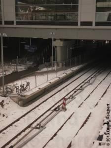 20130322-02 - Ostkreuz, neu montierte Stromschiene