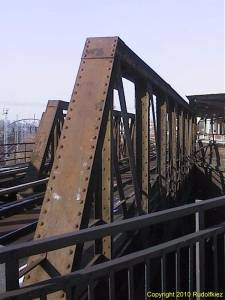 Marodes (R)Ostkreuz - Südringkurvenbrücken
