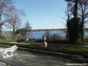 Blick vom Garten des Hauses der Wannseekonferenz über den Wannsee, Aufnahme 10.04.2011