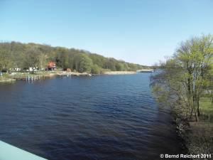 Blick von der Baumgartenbrücke über das Nordostufer des Schwielowsees, Aufnahme 10.04.2011